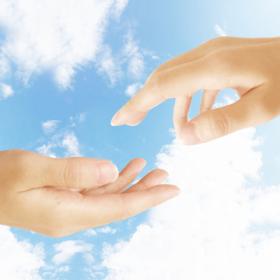 手と手を繋ぐ・信頼