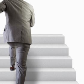 階段を上る・ステップアップ